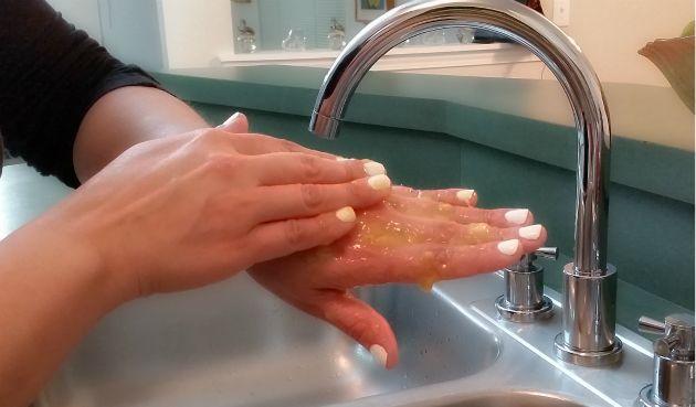 Banana-SplitHands-Treatment1